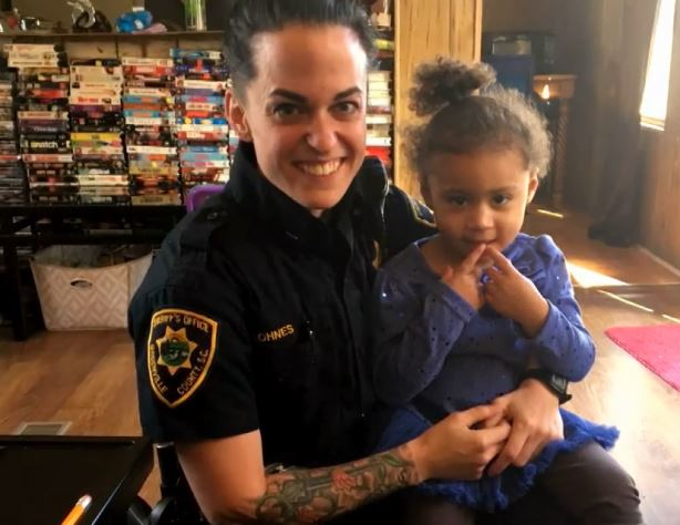 2-year-old girl calls 911 for wardrobe emergency, police say