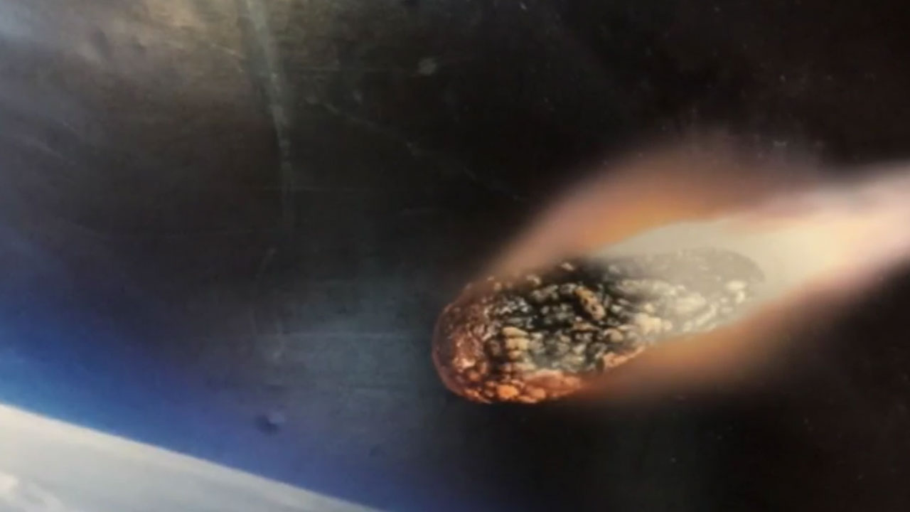 Meteor The Size Of A Bus Comes Close To Earth | WFMYNEWS2.com