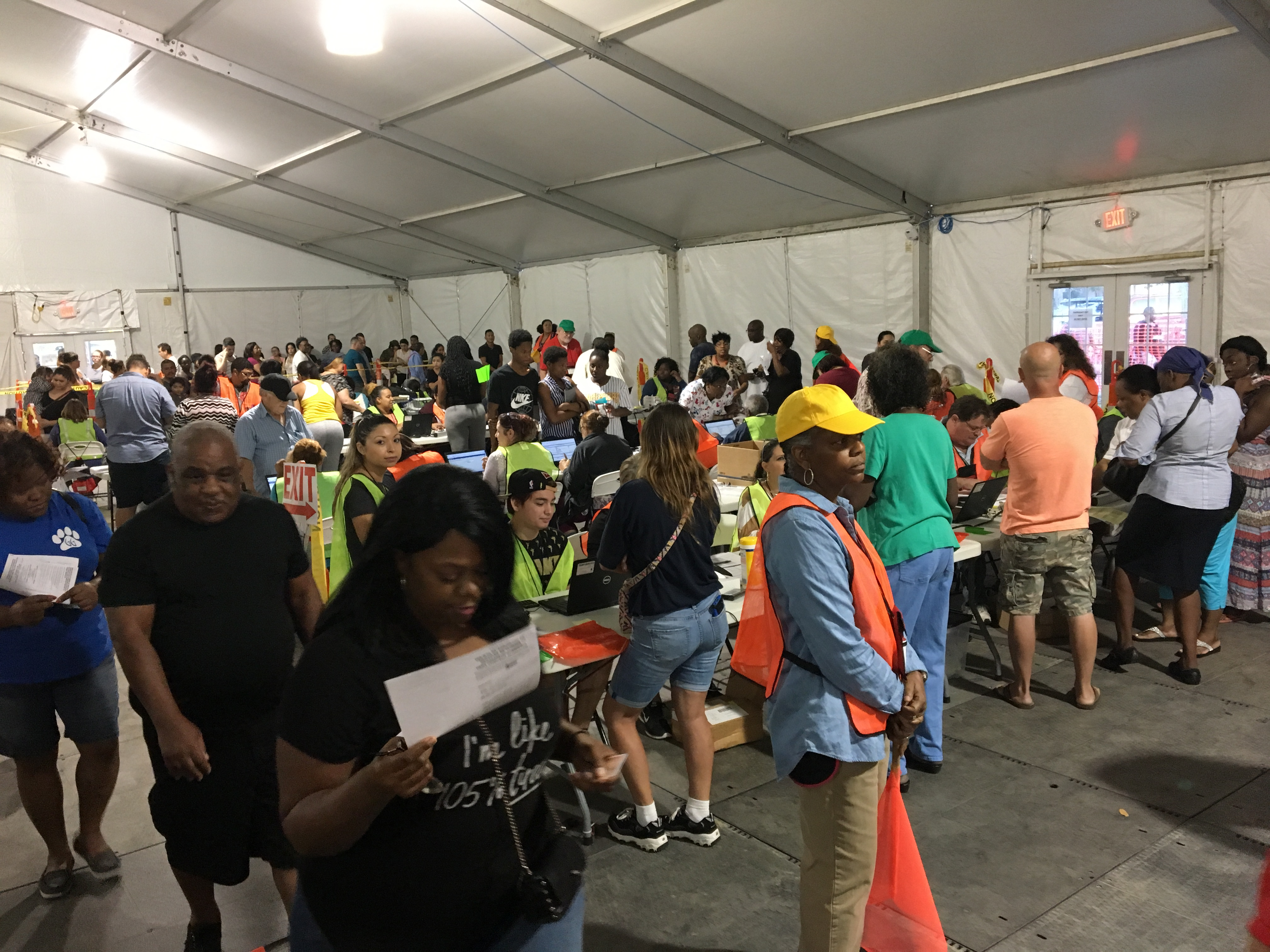Long lines in sarasota for hurricane irma disaster food stamps long lines in sarasota for hurricane irma disaster food stamps wtsp ccuart Image collections